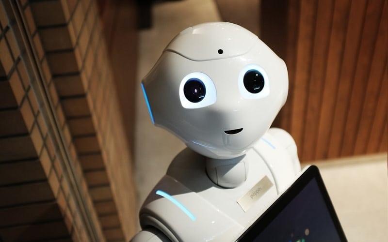 هوش مصنوعی چیست و چرا نیاز داریم با خطرات آن مواجه شویم؟
