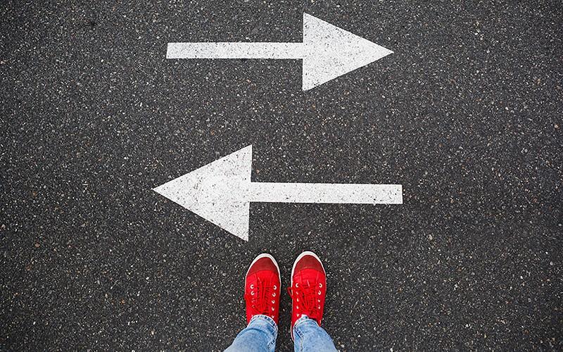 ۳ راه برای بهبود تصمیمگیری در کار و زندگی (راهنما)