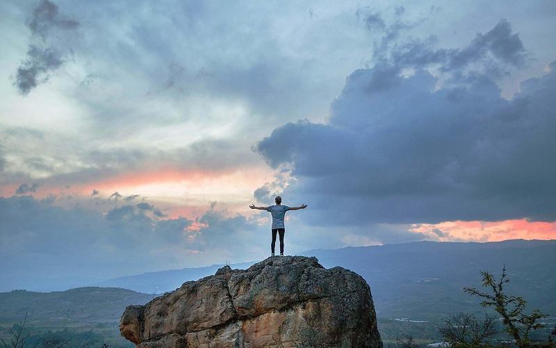اعتماد به نفس چیست و چگونه باید آن را کسب کنیم؟